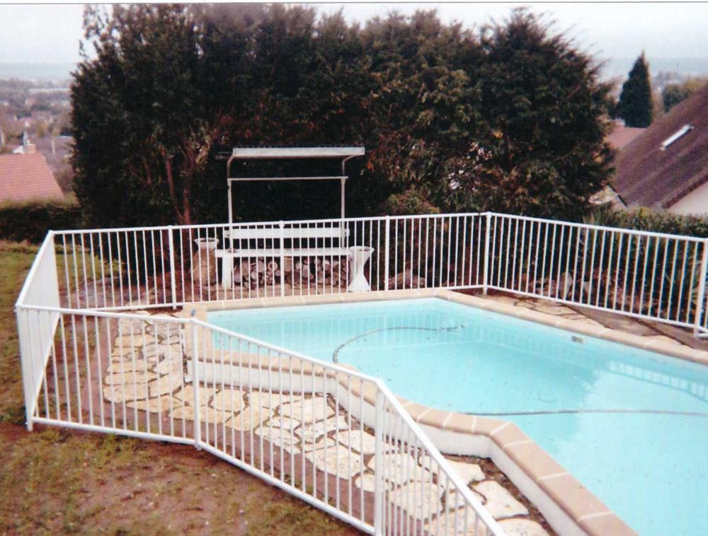 https://am-bister.fr/wp-content/uploads/2017/10/amenagement-am-bister-entourage-piscine.jpg